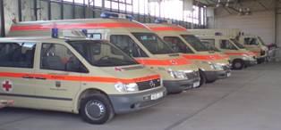 Fahrzeuge des Katastrophenschutz in der Garage