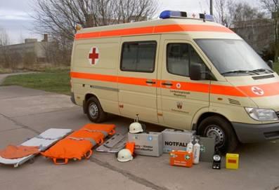 Krankenwagen mit Ausrüstung